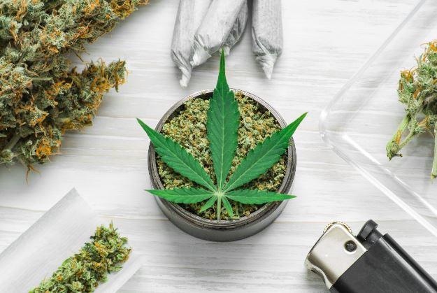 What Is the Best Way to Smoke Marijuana