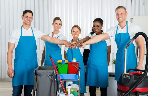 What Are the Benefits of Hiring a Commercial Cleaning Company