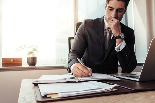Top 5 Factors to Consider When Choosing Business Attorneys